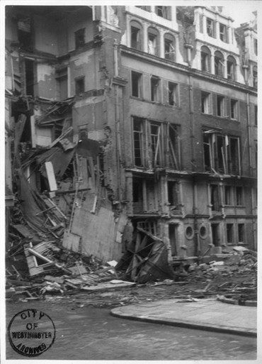 Photo:Mount Street/Balfour Place damage, April 1941